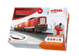 MARKLIN  MY WORLD grand coffret de train de fret avec locomotive diesel ,wagons, accessoires et un grand circuit de rail (des 3 ans) Trains
